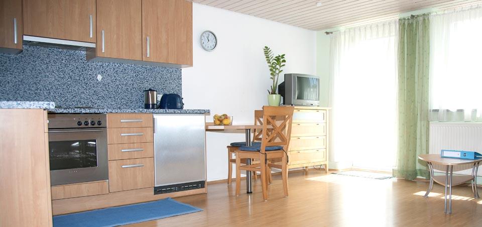 Helle & großzügige Wohn- & Essbereiche mit vollausgestatter Küche lassen keine Wünsche offen.